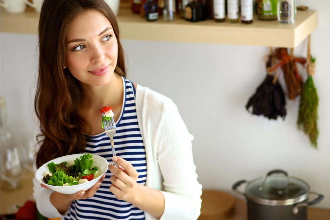 10 Foods for Women to Balance Hormones in the Body