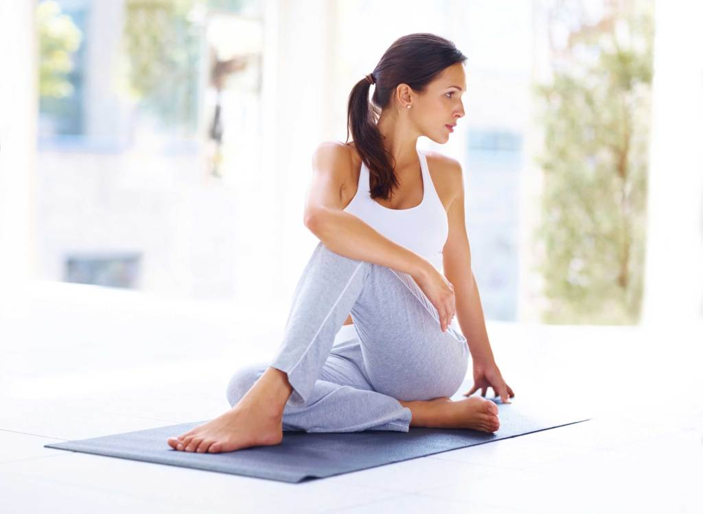 10 Minutes Yoga Sequence for Women to Relax