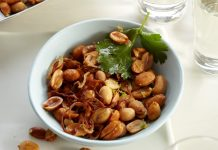 Can Peanuts Help In Weight Loss?